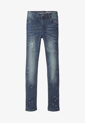 MIT NIETEN - Straight leg jeans - blue denim