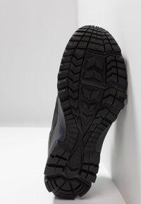 Haglöfs - OBSERVE EXTENDED GT MEN - Hiking shoes - true black - 4