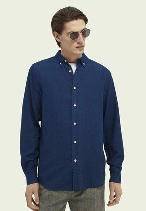 Skjorta - dark washed indigo