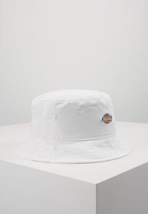 RAY CITY LOGO BUCKET HAT - Hattu - white