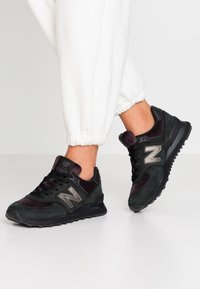 New Balance - 574 - Sneakers - black - 0