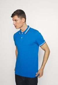 TOM TAILOR - WORDING TIPPING - Polo - electric teal blue - 0