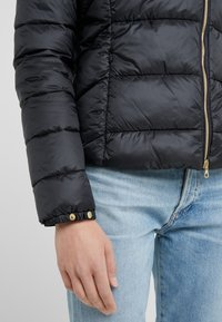 Barbour International - CORTINA QUILT - Übergangsjacke - black - 5