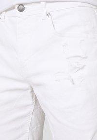 Cotton On - STRAIGHT SHORT - Džínové kraťasy - white - 4
