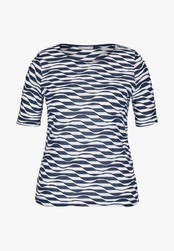 MIT RINGEL-MUSTER UND WELLENSTRUKTUR - Print T-shirt - dunkelblau