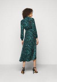 Diane von Furstenberg - STELLA - Vapaa-ajan mekko - dark green - 2