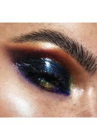 LH cosmetics - INFINITY GLASS - Primer - - - 2