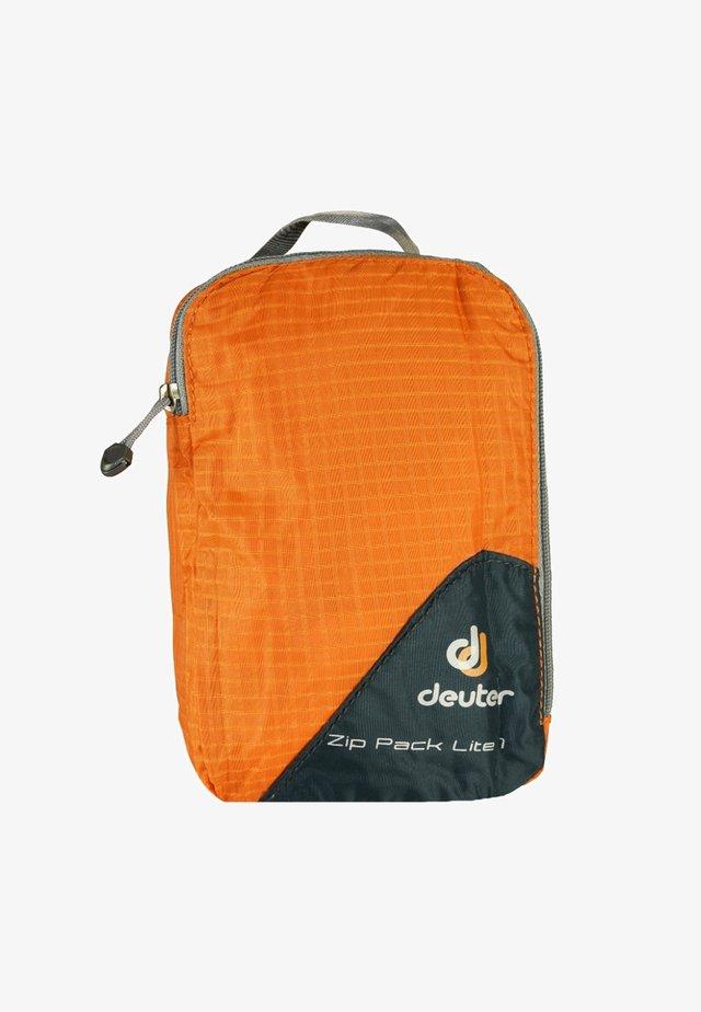 Suit bag - orange