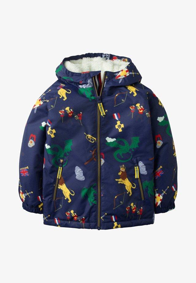 MIT SHERPA-FUTTER - Winter jacket - college navy sprout quest