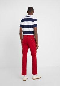 Polo Ralph Lauren - SLIM FIT BEDFORD PANT - Spodnie materiałowe - pioneer red - 2