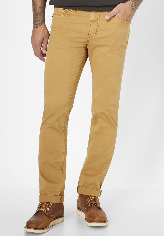 5-POCKET HOSE COLORED STRETCH RANGER - Slim fit jeans - ocker