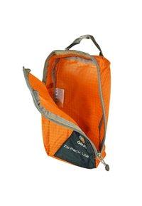 Deuter - Suit bag - orange - 2