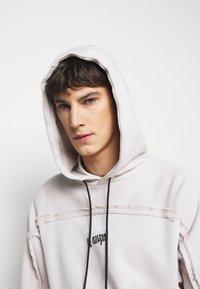 Paul Smith - GENTS HOMER PRINT HOODY - Hoodie - beige - 3