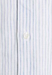 120% Lino - SHIRT SLIM FIT - Camicia - white - 6