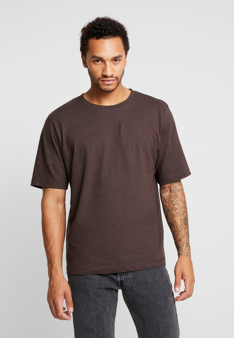 Resteröds - MID SLEEVE SOLID - Basic T-shirt - black coffé