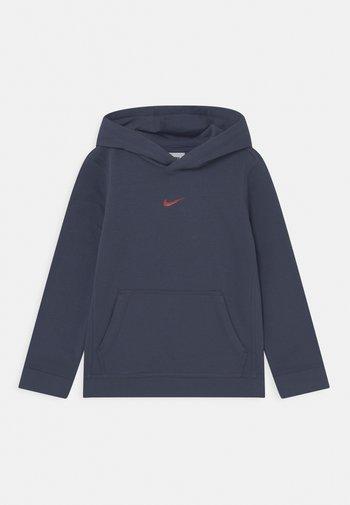 ZIGZAG HOODIE - Sweatshirt - thunder blue/chile red