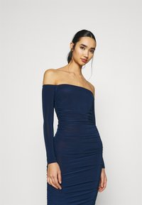Missguided - BARDOT SLINKY RUCHED MIDAXI DRESS - Jersey dress - navy - 3