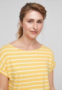 s.Oliver - Print T-shirt - sunset yellow stripes - 4