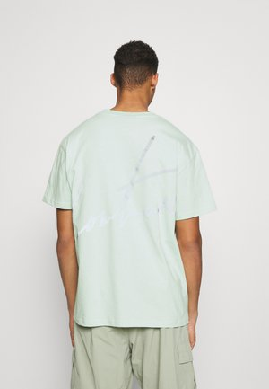 RELAXED FIT REFLECTIVE T-SHIRT - Print T-shirt - mint