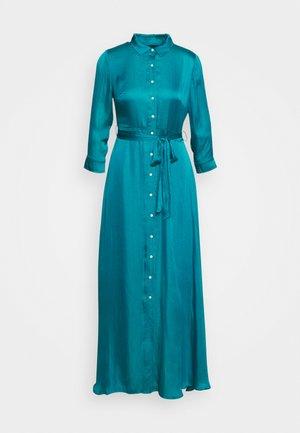 SAVANNAH MAXI - SOFT SATIN - Sukienka koszulowa - underwater turq