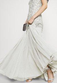 Maya Deluxe - DELICATE SEQUIN FISHTAIL MAXI DRESS - Společenské šaty - soft grey - 3