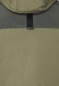 Nike Sportswear - Chaqueta de invierno - medium olive/black - 8