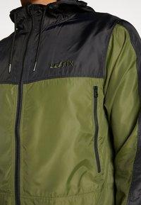 Le Fix - WIND - Lehká bunda - black/army - 4