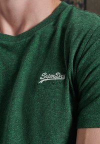 Superdry - OL VINTAGE EMB  - Basic T-shirt - willow green grit - 0
