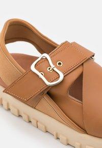 Holzweiler - NATIONAL  - Platform sandals - camel - 6