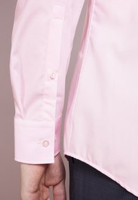 HUGO - JENNO SLIM FIT - Formal shirt - light/pastel pink - 3