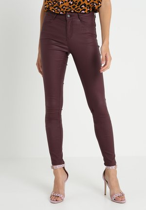 VICOMMIT COATED NEW PANT - Jeansy Skinny Fit - winetasting