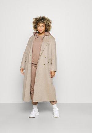 SLFTANJA COAT - Klasyczny płaszcz - sandshell
