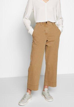 Pantalones - mild tobacco