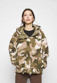Billabong - HIKING LOVER - Winter jacket - army - 0