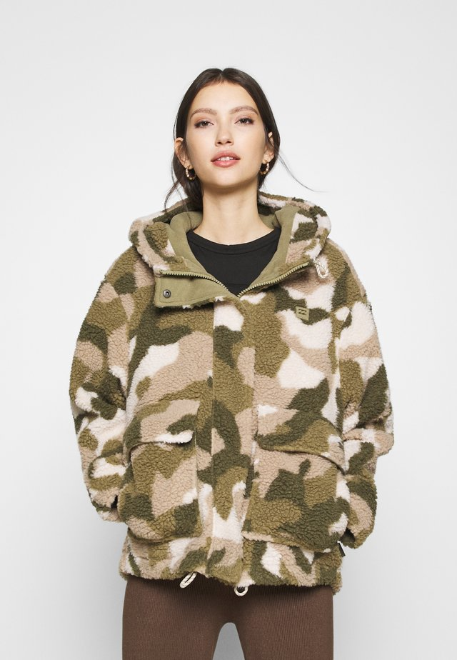 HIKING LOVER - Winter jacket - army