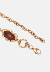 Pieces - PCRAVA WAIST BELT - Midjebelte - gold-coloured/amber - 1