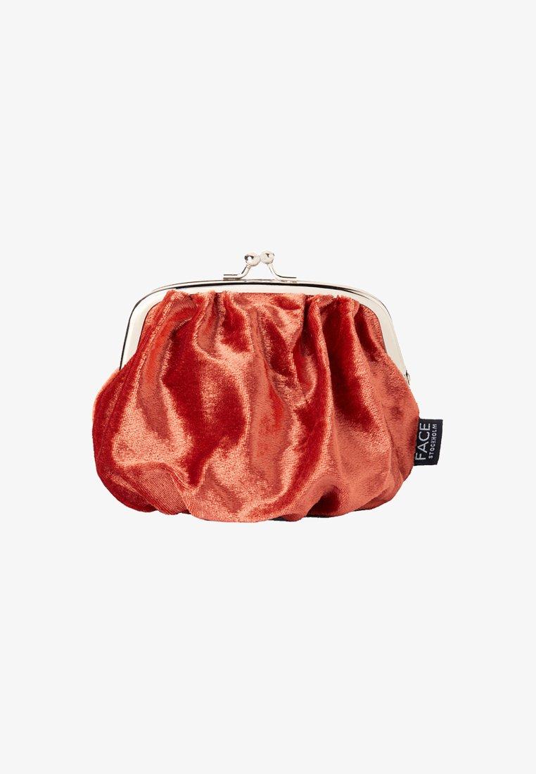 FACE STOCKHOLM - VELVET BAG - Wash bag - rost