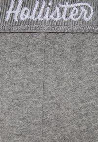 Hollister Co. - CHAIN LOGO - Shorts - grey - 5