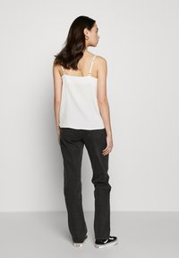Cotton On - HIGH STRETCH - Straight leg jeans - stonewash black - 2