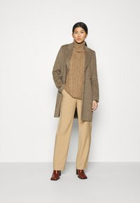 GAP - CABLE  - Neule - classic camel - 1