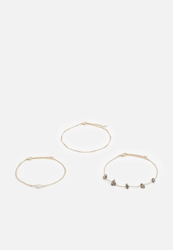 STATION CHIPPINGS ANKLET 3 PACK