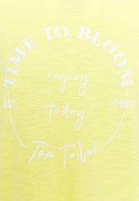 TOM TAILOR - Triko spotiskem - smooth yellow - 2