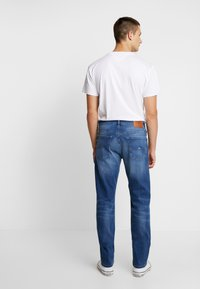 Tommy Jeans - RYAN - Jeans straight leg - bedford mid - 2