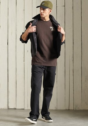 BOHO BOX FIT GRAPHIC - Print T-shirt - blackbean