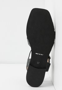 Hash#TAG Sustainable - Sandals - nero - 6