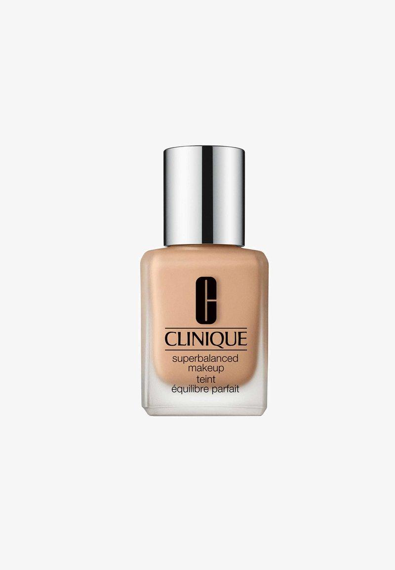 Clinique - SUPERBALANCEDTM MAKEUP - Foundation - cn 62 procelain beige