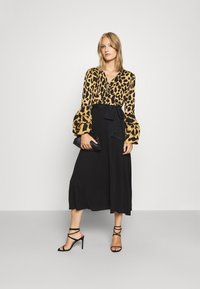 Diane von Furstenberg - NANCY DRESS - Cocktail dress / Party dress - large natural/black - 1