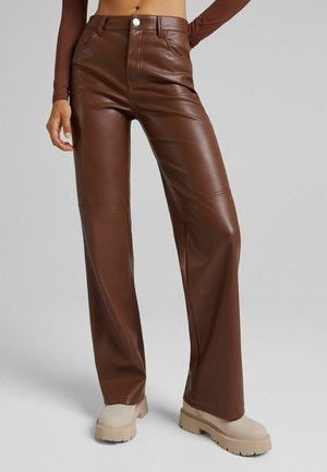 STRAIGHT FIT - Trousers - brown
