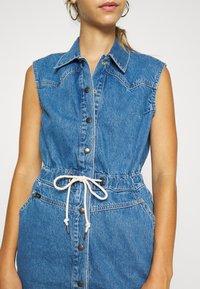 Lee - DRAWSTRING DRESS - Denim dress - clean callie - 5