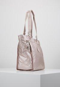 Kipling - NEW SHOPPER S - Kabelka - metallic rose - 3
